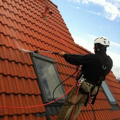 mech na dachu, mycie ciśnieniowe i impregnacja blachodachówki, dachówki ceramicznej i betonowej