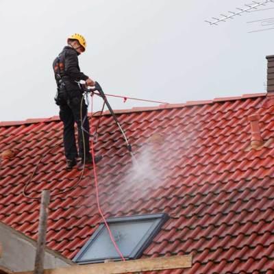 mycie dachów myjką ciśnieniową