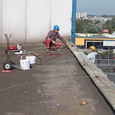 remont elewacji wykonywany w technikach dostępu linowego, naprawa i malowanie elewacji